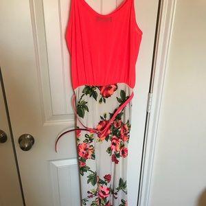 Dresses & Skirts - Boutique maxi dress- NWOT